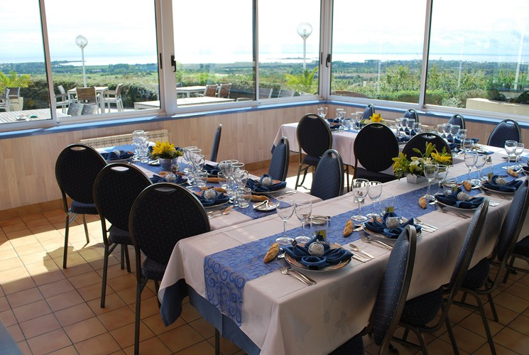 votre mariage au panoramique restaurant le panoramique entre barfleur et saint vaast la hougue. Black Bedroom Furniture Sets. Home Design Ideas