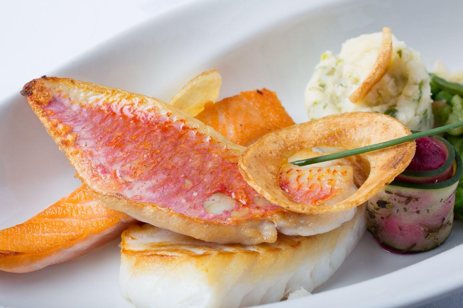 Un plat de poisson de nos côtes Normande réalisé dans notre Restaurant du Cotentin